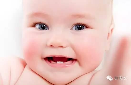 100天的宝宝乳牙萌出