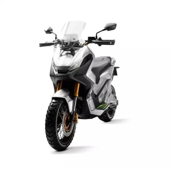 城市新越野--本田概念ADV踏板车亮相米兰车展