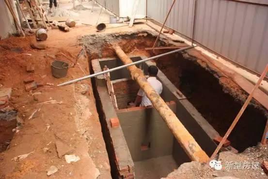 不过在国内一些农村,也有一些砖混结构的化粪池,不过一般这类化粪池图片