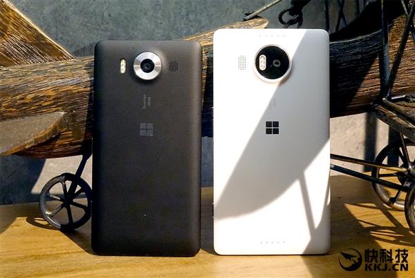 Lumia 950行货售价3999元,而Lumia 950 XL价格是5499元,后者会赠送微软手机盒子或微软可折叠蓝牙键盘,但前者没有配件赠送。