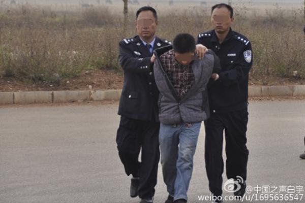 云南9岁男孩被车撞后失落,警方捕获两嫌犯开端确认孩儿遇害