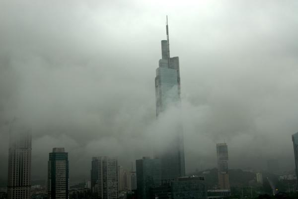 南京第一高楼被诉侵犯邻居日照权 法院判赔10万