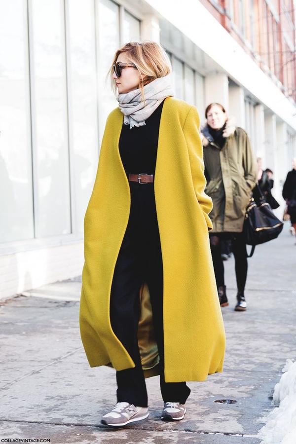 反正大衣可以搭,裙子可以搭,皮草也可以搭.至于哪些运动鞋是首选?图片
