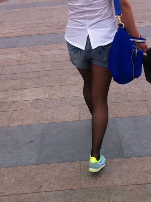 女人黑是被人操的多了吗_男人眼中丑爆了的女人奇葩穿着,你中招了几个?