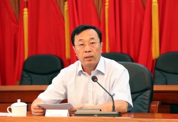 黑龙江省政协副主席宫晶��