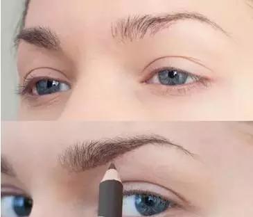 画眉毛,你知道 眉笔和眉粉哪个更好用吗