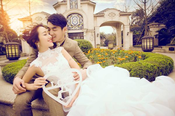 最新婚纱照流行风格图片