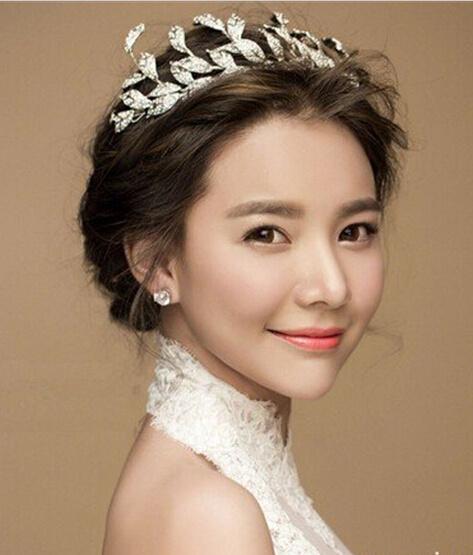 有唯美的韩式新娘发型,有浪漫的欧式新娘发型,有可爱的日式新娘发型