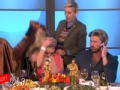 《艾伦秀第13季片花》S13E57 员工男扮女装 艾伦不慎摘女孩假发被笑哭