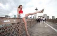 [奇闻]女模刷新最长美腿记录