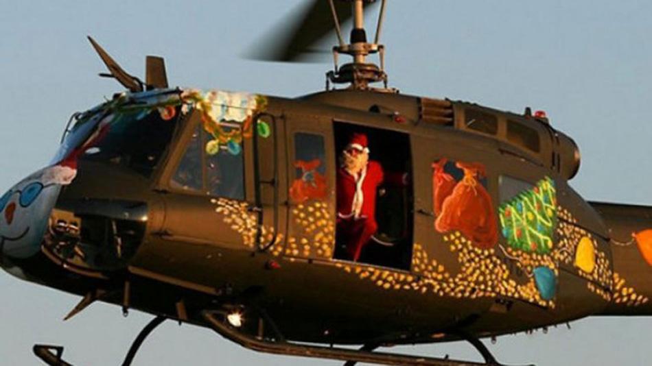 """巴西""""圣诞老人""""谎称送礼物盗走直升机。网页截图"""