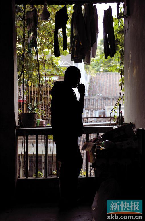 艾滋病感染者阿哲经常参加面向艾滋病人的义工活动。新快报记者 孙毅/摄