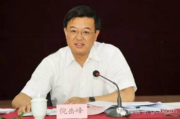 今年4月,胡和平转任陕西省委副书记。2013年11月出任浙江省委常委、组织部长之前,所有的职业生涯都在清华校园内。