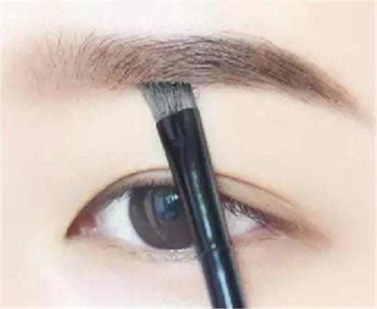 淡眉毛也能画出标准韩式眉毛图片