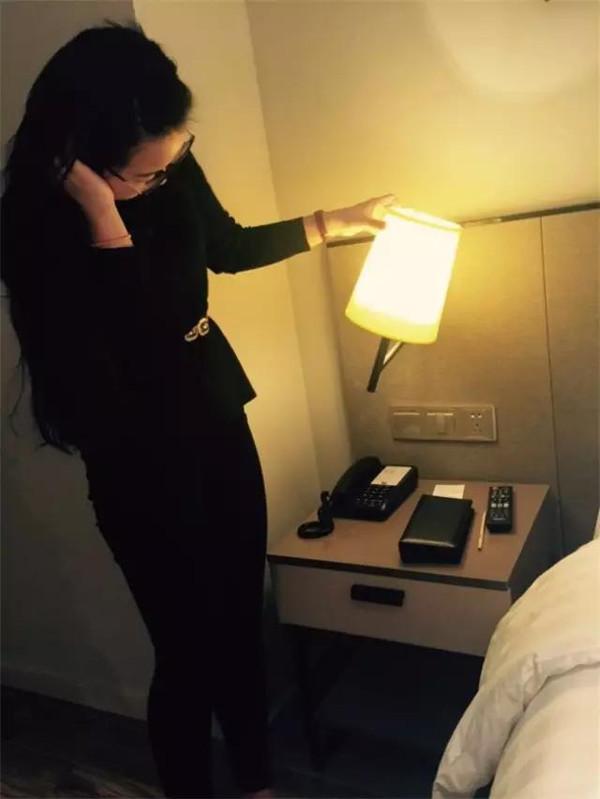 烟台美女美女试睡v美女日记!中文教酒店图片