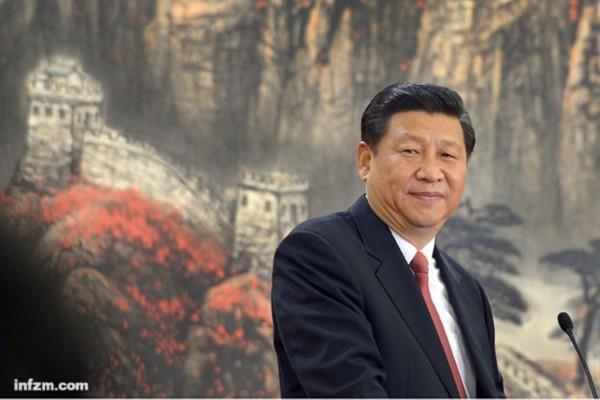 2012年11月15日,新一届中央政治局常委同记者见面,习近平发表讲话。 (南方日报特派记者 王辉、严亮/图)