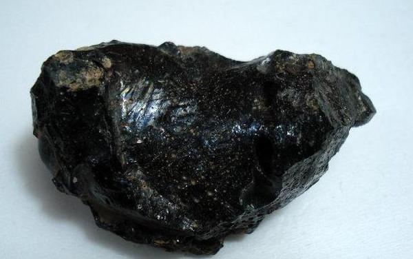 黑色陨石图片