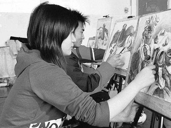 2016艺术类钢琴就业前景解析-搜狐v钢琴,女生学dnf专业弹奏女生图片