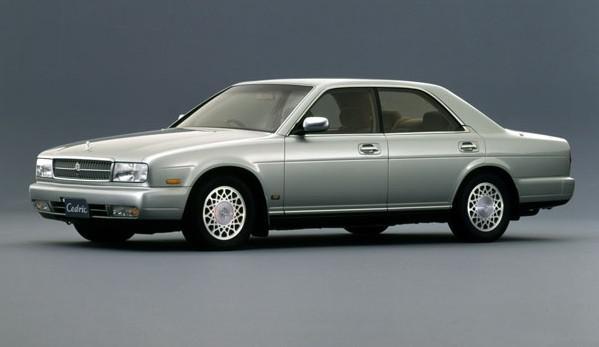 这个车标远看皇冠近看像林肯到底是什么车呢?_广东快乐十分钟