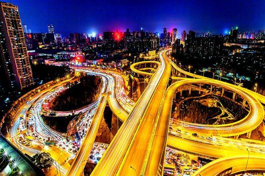 现代城市夜景  手绘