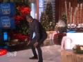 《艾伦秀第13季片花》S13E62 亚瑟玩猜词游戏秀臀舞 与艾伦下象棋放水