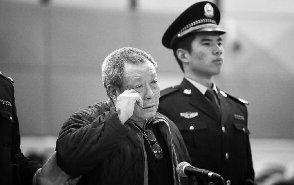 李奇兴在法庭上认罪,他说自己是失手杀人,没有故意 摄/法制晚报记者曹博远