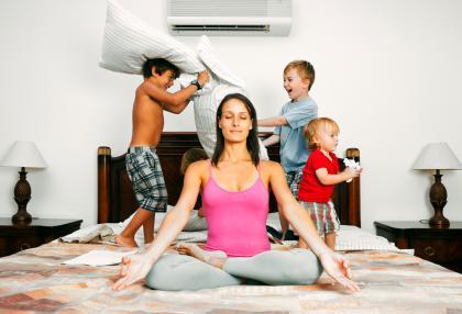 冬天太冷,还有雾霾,那么宅在家里,如何减肥塑型