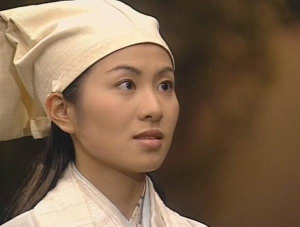 小编还记得当年她演的《再生缘》里的孟丽君,《冲上云霄》里的童希欣图片