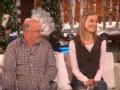 《艾伦秀第13季片花》S13E64 15岁少女接受骨髓移植 十年后向恩人致敬