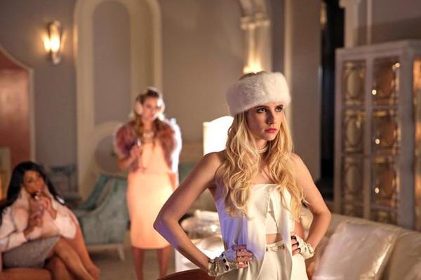色群视频秀_美剧也玩时装秀耍大牌,带你看小公主的衣帽间!