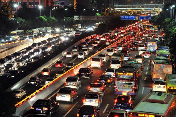 几乎每天的下班高峰期,广州大道的南北双向拥堵严重。 视觉中国 资料图