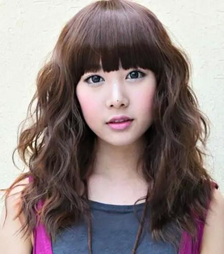 韩式蛋卷头中长发时尚发型