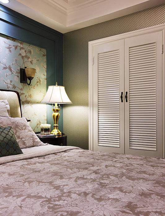 卧室衣柜用掩门好还是趟门好 听听木工师傅咋说的