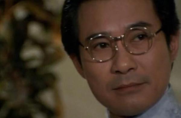 江明�9�dy���f_娱乐 正文  最先出场的是爱国志士高先生,由江明扮演(江明也就是后来