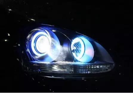 卤素大灯色温_买车请注意 卤素灯 氙气灯 LED和激光大灯有啥不同
