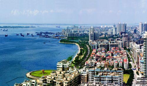 访湛江市市长王中丙:打造对接东