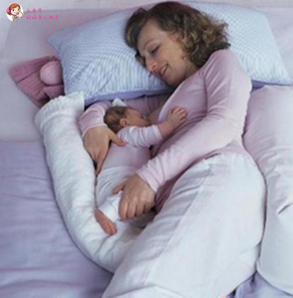 婴儿怎么侧卧