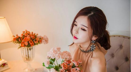 """熊猫TV天价""""约会""""韩国第1美女主播"""