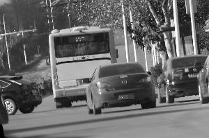犯法怀疑人在汤山新城下车,而后上了837路公交车