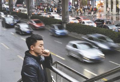 杨泽金常在路边看车牌号,训练记忆力