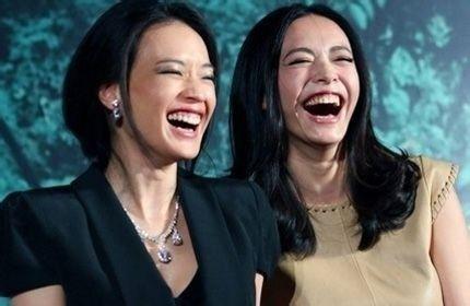 如果发现自己的肺功能没有那么好肿么办?其实除了平时健康的饮食起居、扩胸运动、戒烟等对肺部的保养有益,还有一个最简单的改善肺部功能的方法,那就是笑。俗话说笑能宣肺,对于呼吸系统来说,人在大笑的时候能够促使肺部扩张;人在笑的时候还会不由自主的进行深呼吸,清理呼吸道,保持呼吸通畅,从而扩大肺活量,一定程度上有效的改善肺部功能。所以说,拥有一个好心情真的可以让百病望而却步!