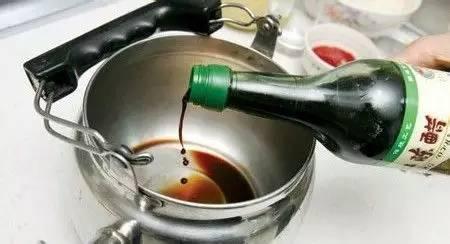 电热水壶用久了有水垢?教你轻松去除!