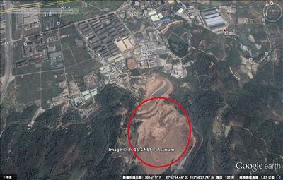 2014年11月的卫星照片显示,采石场已成为渣土受纳场。