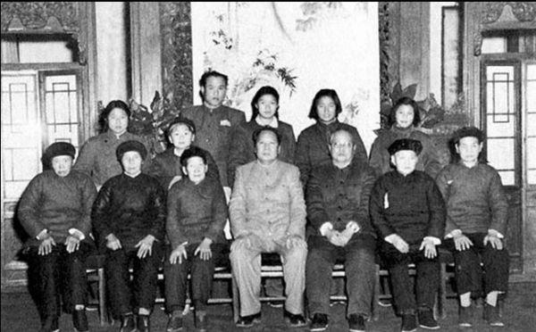 毛泽东与张玉凤关系_王海容的** 王海容 唐闻生 王海容 和**关系_龙太子供应网