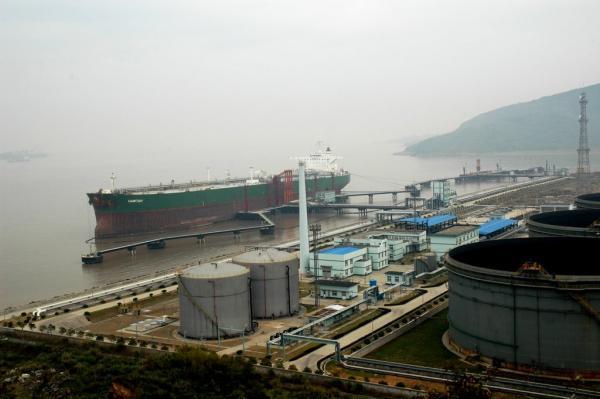 宁波实华45万吨原油船埠。材料图