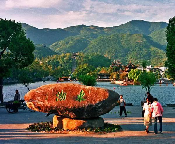 """中国第一个""""宜居城市"""",人们都说风景如画!"""