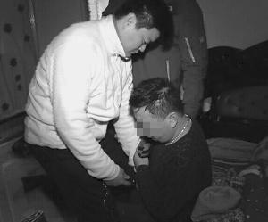 该案主要嫌疑人被警方抓获并押解回宿迁 警方供图