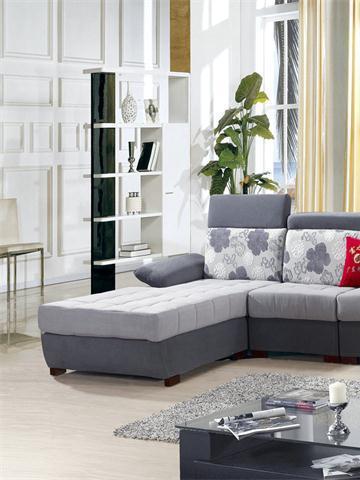 灰色沙发搭配沙发垫_浅灰色沙发该搭配什么颜色的沙发垫?-搜狐