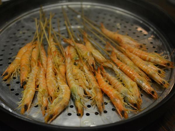 可以蒸的海鲜_人均80的蒸海鲜,进门就送一只足半斤母蟹,你还坐得住么?