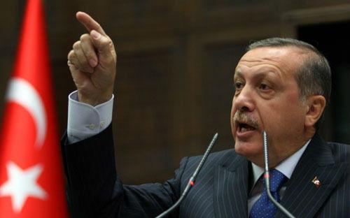 """土耳其总统埃尔多安随后亲自发表声明称,如果能证明安卡拉在从""""伊斯兰国""""购买石油,他愿辞职。"""